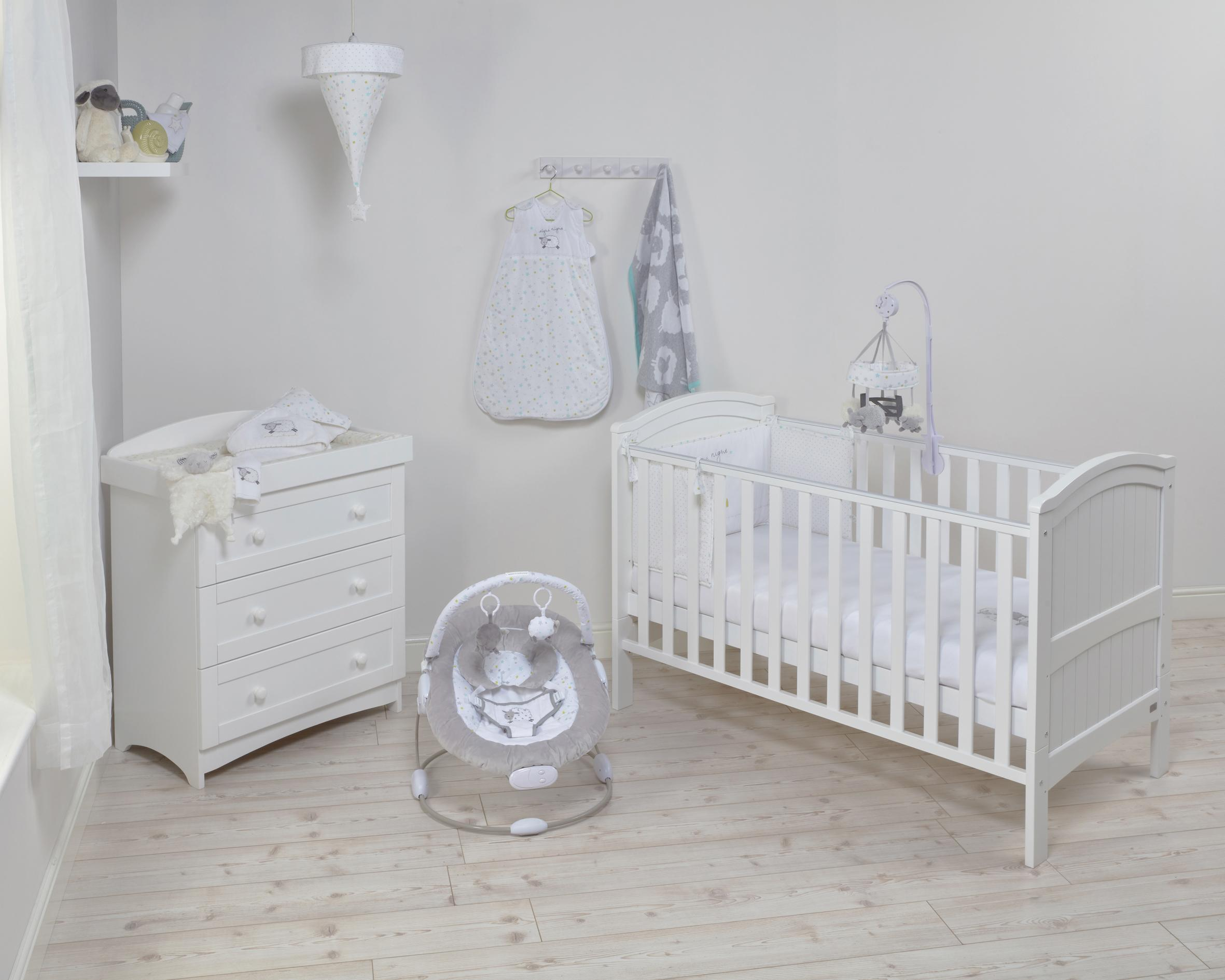official photos 7d813 e8148 Henley White Wardrobe, Drawers and Cot Bed Nursery Room Set